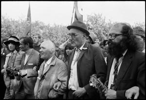 Fra højre mod venstre: Ginsberg, Burroughs, Genet.